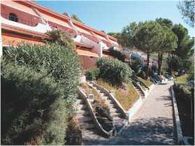 Insel  Elba Appartment in Anlage mit Pool Wohnungseingänge