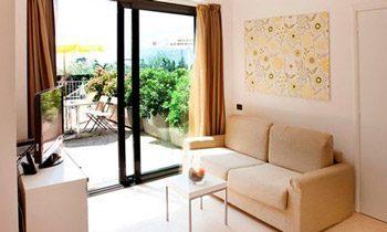 Ferienapartments Gardasee Typ A Wohnraum