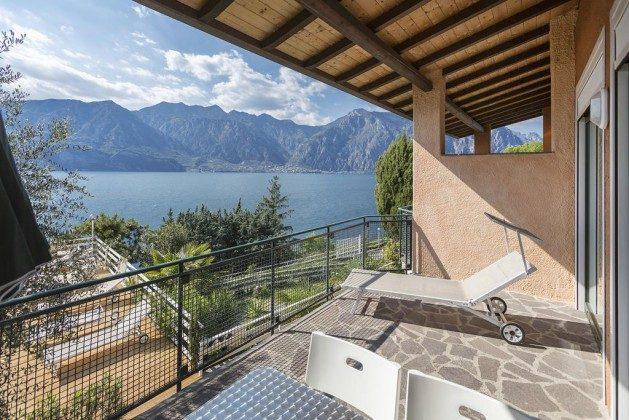 Blick vom Balkon auf den See  Malcesine Ferienanlage nah am See Ref. 28205-2