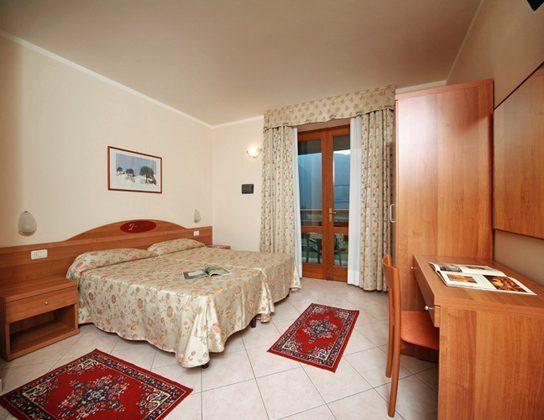 Italien Ferienwohnung am Gardasee Residence Tremosine Doppelbett
