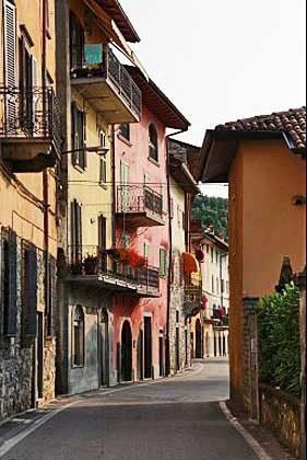 Stadtansicht Riva di Solto Ferienwohnung Ref. 65162-11