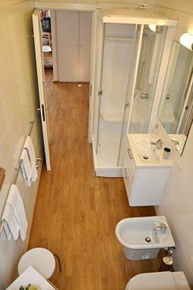 Badezimmer Ferienwohnung Iseosee 65162-4