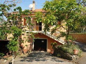 Ferienhaus Ligurien mit nahegelegener Tennisanlage