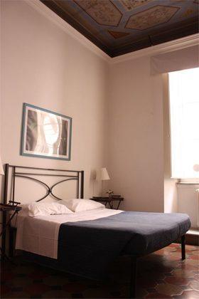 Schlafzimmer Doppelbett b Ferienwohnung Rom 3573-20 / 985
