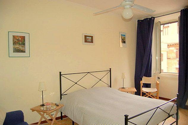 Schlafzimmer 2 a Ferienwohnung Rom Navona Ref. 3573 / 978