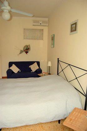 Schlafzimmer 2 b Ferienwohnung Rom Navona Ref. 3573 / 978