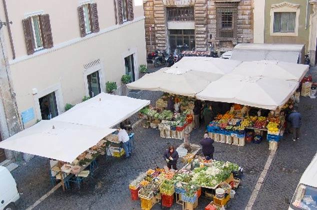 Wochenmarkt Ferienwohnung Rom Navona Ref. 3573 / 978