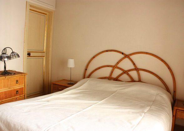 Schlafzimmer Doppelbett a Ferienwohnung Rom 3573-27 / 1382