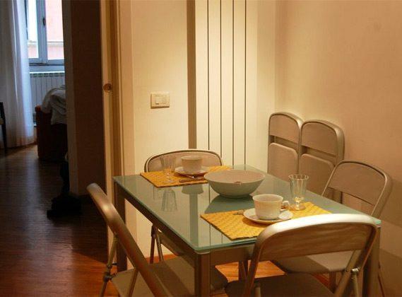 Küche Esstisch Apartment Rom Spanische Treppe 3573-61 / 1584