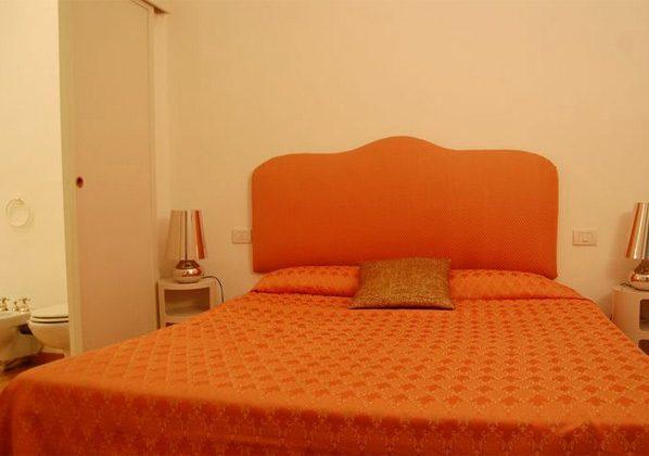 Schlafzimmer b Apartment Rom Spanische Treppe 3573-61 / 1584