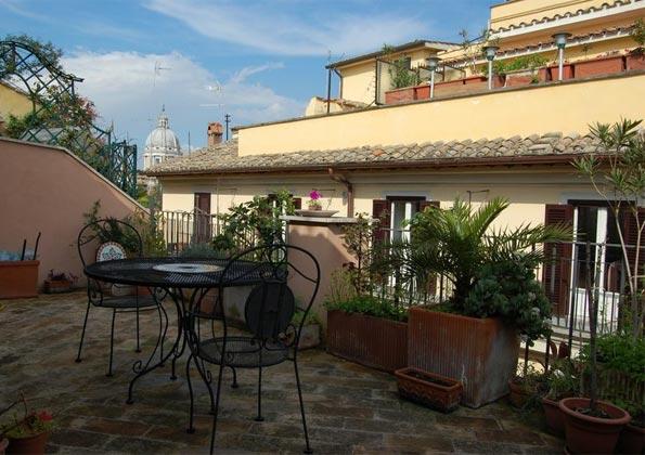 Terrasse c Apartment Rom Spanische Treppe 3573-64 / 1011