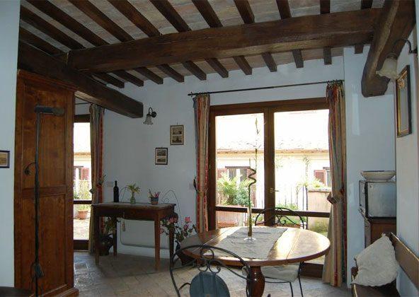 Wohn- Esszimmer b Apartment Rom Spanische Treppe 3573-64 / 1011
