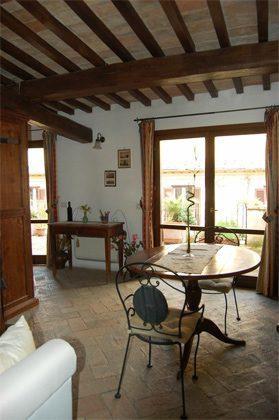 Wohn- Esszimmer c Apartment Rom Spanische Treppe 3573-64 / 1011