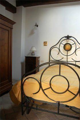 Schlafzimmer b Apartment Rom Spanische Treppe 3573-64 / 1011
