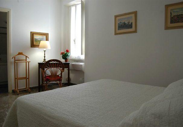 Doppelzimmer b Ferienwohnung Rom spanische Treppe 3573-65 / 1542