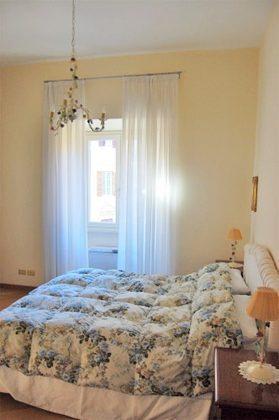 Schlafzimmer Doppelbett b Rom Ferienwohnung Ref. 3573-6 / 1406