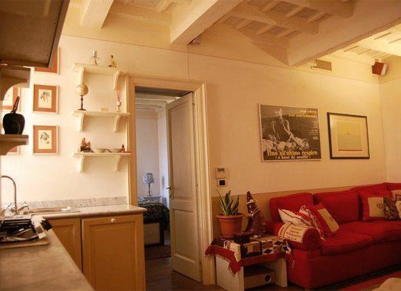 Wohn- Esszimmer b Apartment Rom Trastevere 3573-62 / 1277