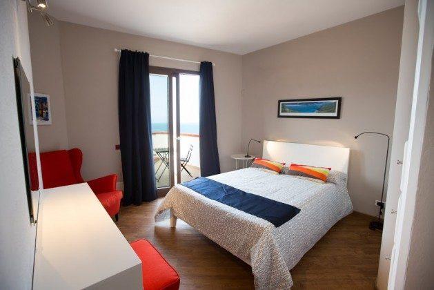 Schlafzimmer Doppelbett 1 Fenster - Cefalu Ferienwohnung Soto la Rocca Ref. 166798-3