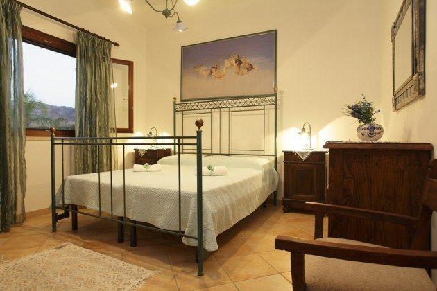 Schlafzimmer 1 OG Trapani Cornino Ferienvilla 152254-1