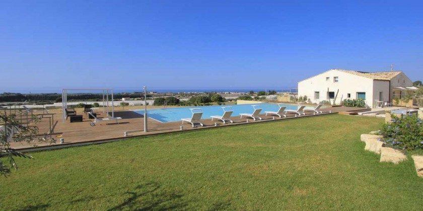 Aussenansicht Marina di Ragusa Ferienwohnung Ref: 174333-4