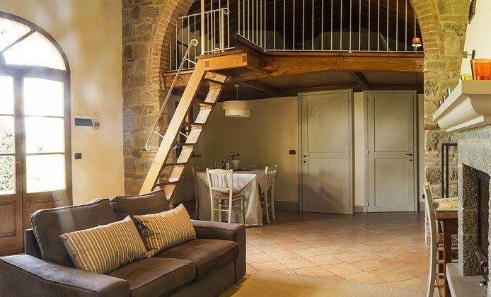 The Orangery Toskana Ref.: 149985-2 Wohnzimmer mit Kamin
