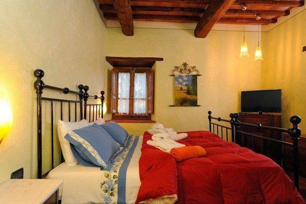 Schlafzimmer 1 Toskana Arezzo Luxus- Ferienhaus Ref. 162283-2