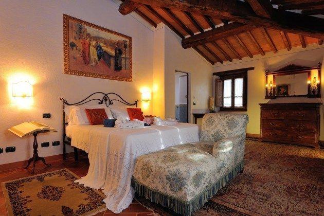 Schlafzimmer 2 Toskana Arezzo Luxus- Ferienhaus Ref. 162283-2