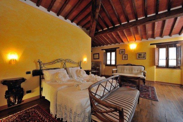 Schlafzimmer 3 Toskana Arezzo Luxus- Ferienhaus Ref. 162283-2