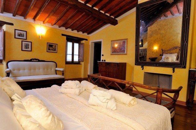 Schlafzimmer 4 Toskana Arezzo Luxus- Ferienhaus Ref. 162283-2