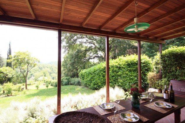 Restaurierte Scheune, Blick von der Terrasse