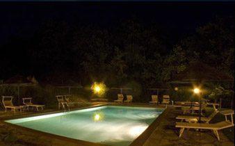 Toskana Ferienwohnungen Pool mit Nachtbeleuchtung