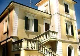 Villa von hinten Toskana Villa am Meer