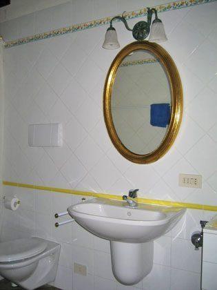 Wohnung 2, grosses Duschbad ensuite zum Schafzimmer