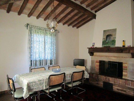 Wohnung 3, grosses helles gemütliches Wohn/Esszimmer mit Kamin