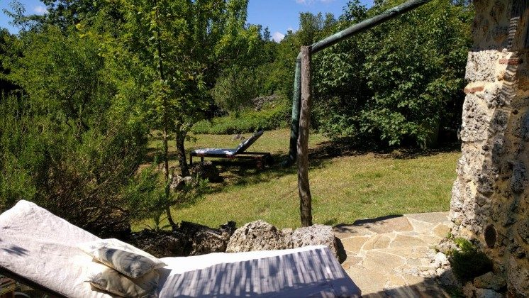 Lavanda Blick auf Garten