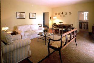 Apartment 2 Pergola: Wohnzimmer