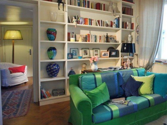 Wohnbereich mit Bücherwand  Camaiore Ferienwohnung Ref. 93914-26