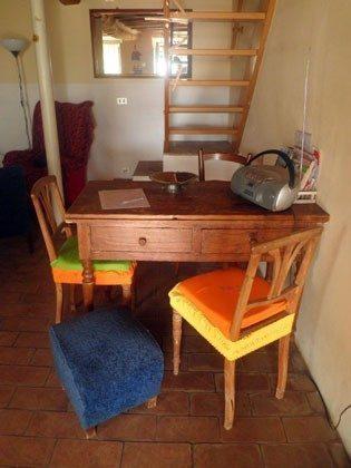 Wohnkücke mit Tisch