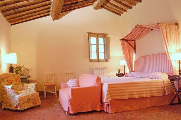Toskana Ferienhaus 22649-7 - Schlafzimmer