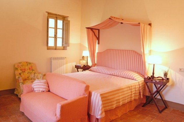 Toskana Ferienhaus 22649-7 - Doppelbett
