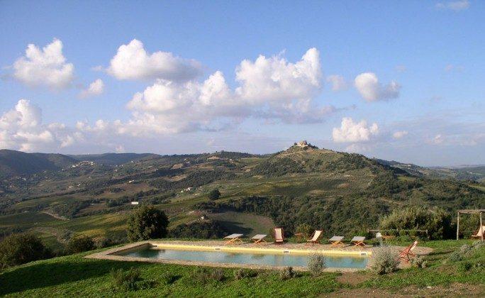 Toskana Ferienhaus 22649-7 - Pool und Aussicht