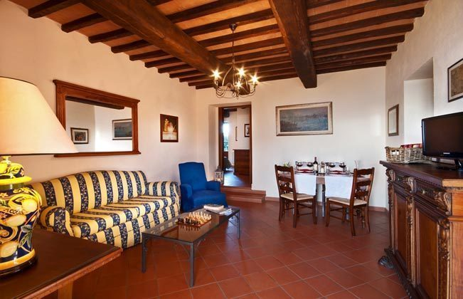 Italien / Umbrien / Landgut Cattaneo / 10 Ferienwohnungen für 2-6 Personen / App. L\\\' Uvieto