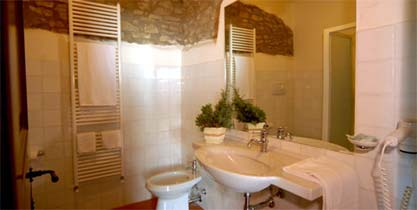Italien / Umbrien / Landgut Cattaneo / 10 Ferienwohnungen für 2-6 Personen / App. Belvedere