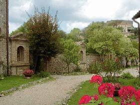 Umbrien Lugnano Ferienwohnungen in altem Kloster