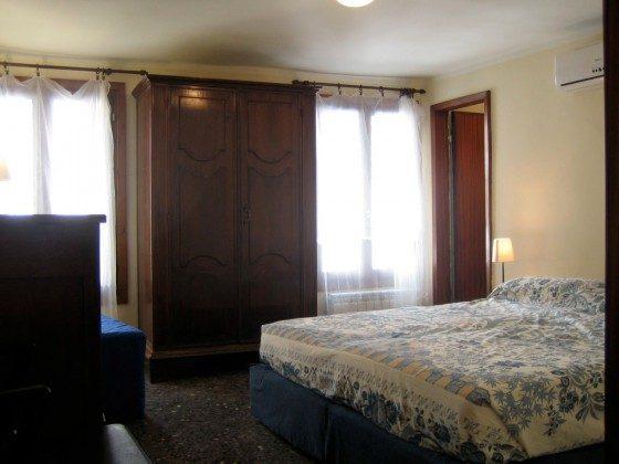 Italien Venetien S. Marco Ferienwohnung S. Maurizio, Schlafzimmer