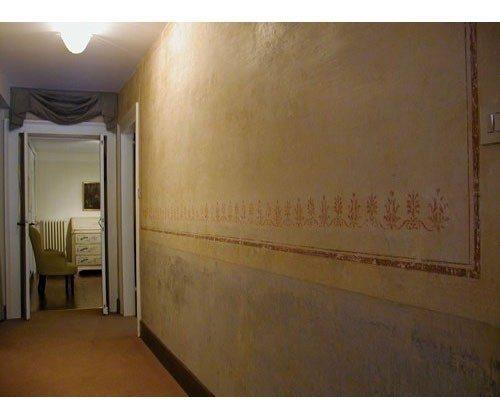 Flur mit Wandmalerei Venezianische Ferienwohnung