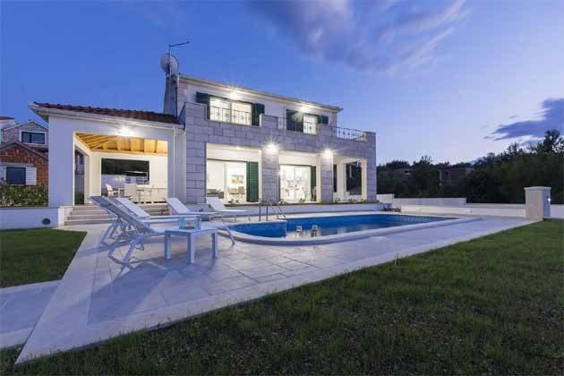 Ferienhaus mit Pool bei Milna - Objekt 138495-31