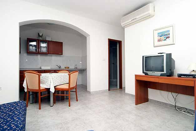 Pucisca Fewo 2 (bis 4 Personen) Wohnraum
