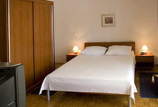 Pucisca Fewo 1 (2 Personen) Schlafzimmer