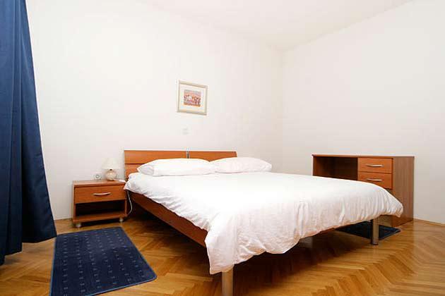 Pucisca Fewo 3 (bis 8 Personen) eines der 3 Schlafzimmer